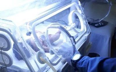 Índia recém-nascida é resgatada após ser enterrada viva em MT